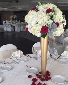A shot of last nights centerpieces ❤️ #centerpiece #floral #flowers #wedding #weddingseason #weddingday #weddingdecor #weddingvenue #venue #theknot #bride #bridal #destinationwedding #wedgewoodwedding #wedgewoodbanquets