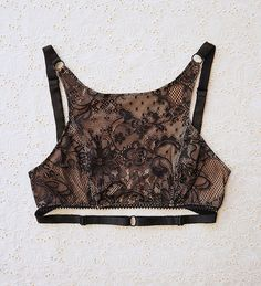 KITRI Lace Crop Bra Top with Convertible Straps von ElmaShop, $65.00
