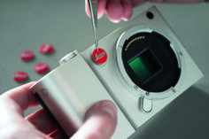 Earlier today, Leica unveiled its new Leica T camera system. It& an all-new mirrorless camera platform with a distinctly different design than anything Leica has produced before. Leica had a. Leica M, Leica Camera, Camera Lens, Gadgets, Nikon D700, Camera Icon, Digital Archives, Camera Reviews, Red Dots