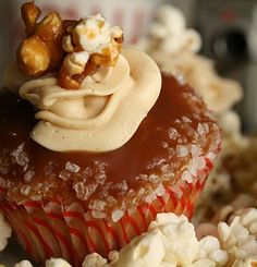 Buttered Popcorn Cupcakes  with Sea Salt Caramel Frosting and Sauce Popcorn Cupcakes, Yummy Cupcakes, Cupcake Cookies, Caramel Cupcakes, Butter Cupcakes, Mini Cupcakes, Just Desserts, Delicious Desserts, Yummy Food