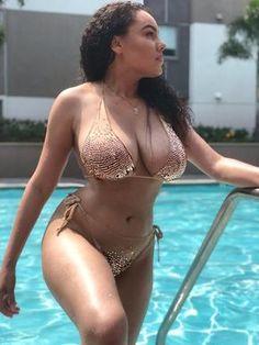 black women beautiful in beach Sexy Bikini, Bikini Girls, Bikini Babes, Sexy Teens, Sexy Hot Girls, Harlem, Mädchen In Bikinis, Voluptuous Women, Beautiful Black Women