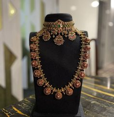 South Indian Bridal Jewellery, Indian Jewelry Sets, Indian Jewellery Design, Bridal Jewellery Collections, Indian Wedding Jewelry, Jewellery Designs, Kundan Jewellery Set, Latest Jewellery, Antique Jewellery
