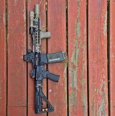 Geissele ddc got me like 💦💦💦 Firearms, Shotguns, Ar 15 Builds, Ar Pistol, Colt 1911, Combat Gear, Real Steel, Custom Guns, Cool Guns