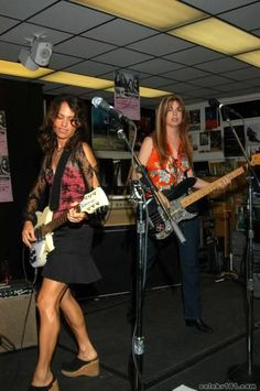 Susanna Hoffs and Michael Steele, The Bangles.