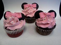 Minnie mouse cupcakes: facebook.com/terrycakesssparks