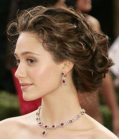 updos bridal hairstyle with earrings necklace | Sangmaestro