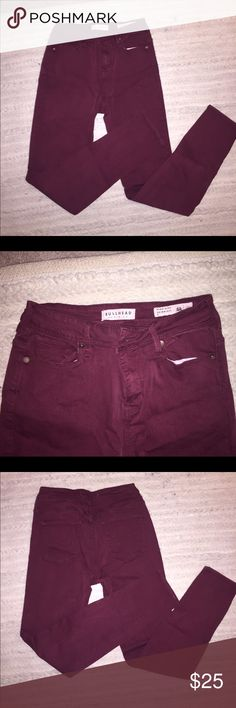 Bullhead high waited jegging jeans Burgundy high waisted super stretch skinny from Bullhead at PacSun. Super stretchy and comfortable. Skinny ankle. Work gently, no damages! Bullhead Pants Skinny
