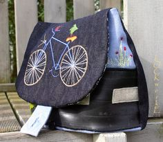 Tasche aus Jeansresten und Fahrradschlauch / Bag made from parts of jeans and inner bicycle tube / Upcycling