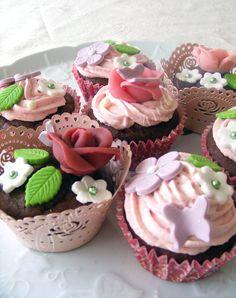 Vintage+cupcakes+(chocolat,+fraise,+coquelicot)