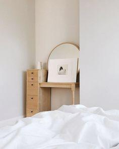 minimalist bedroom with white bedding. / sfgirlbybay
