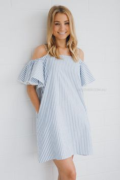 Buy women's dresses from Esther & Co. One Piece Dress Short, Adele Dress, Casual Dresses, Short Dresses, Moda Casual, Summer Outfits, Summer Dresses, Striped Dress, Vintage Fashion