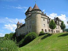 Замок Клерон – #Франция #Франш_Конте #Cleron (#FR_I) Замок 14 века, в частной собственности, внешний осмотр и парк вокруг доступны для общественности в летнее время.  ↳ http://ru.esosedi.org/FR/I/1000453584/zamok_kleron/