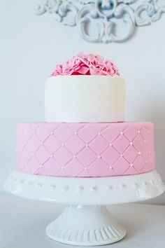 Pretty pink & white quilted cake :: Cakes and sweets: bake4u :: via Amy Atlas