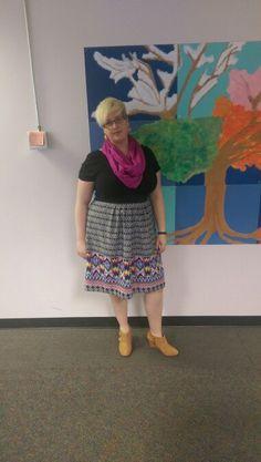 Fatshion OOTD New Gwynnie Bee skirt, gifted earrings and scarf, Anne Klein booties.  #sharemeGB #omgbee #gwynniebee #fatshion #ootd