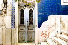Lisbon Door, near castelo Sao Jorge