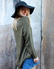 Shop with confidence at Lelulah, a luxury online fashion boutique in Australia. Dresses, jackets, footwear, accessories and more; we're the women's clothing boutique your wardrobe will adore! Online Fashion Boutique, Boutique Clothing, Red And Pink, Pink Purple, Down The River, Knitting, Sweaters, Jackets, Shopping