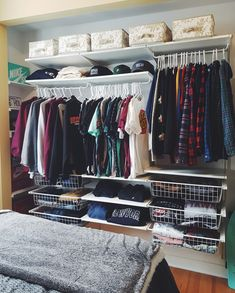 cool and neat apartment decorating ideas for men 31 Bedroom Setup, Boys Bedroom Decor, Room Ideas Bedroom, Closet Bedroom, Decor Room, Home Room Design, House Design, Hypebeast Room, Minimalist Room