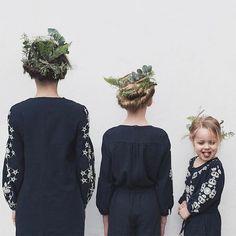 https://awebic.com/humanidade/mae-filhas-roupas-iguais/
