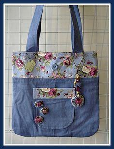 Fabric and Denim bag - cute with buttons -- Текстильные фантазии и не только: Сумки из джинсов