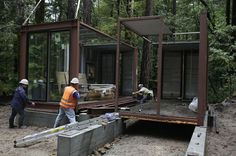 Shipping Container Homes: Modulus, Six Oaks - Santa Cruz - Shipping Container Home  http://homeinabox.blogspot.com.au/2012/06/modulus-six-oaks-santa-cruz-shipping.html