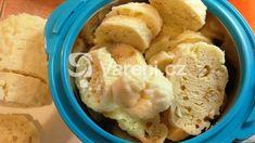 Knedlíky, které necháváme vykynout v domácí pekárně. Hummus, Ethnic Recipes, Food, Essen, Meals, Yemek, Eten