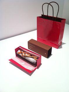 KEISUKE MATSUSHIMA + printemps : christmas cake [package design]