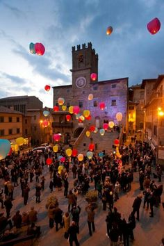 Festival at Cortona, province of Arezzo , Tuscany region Italy Places In Italy, Oh The Places You'll Go, Cool Places To Visit, Places To Travel, Cinque Terre, Pisa, Monuments, All About Italy, Toscana Italia