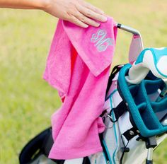 Golf towels $8! Comes in red, pink, navy, mint green, & black.⛳️🏌🏻♀️ Visit www.threadink.us