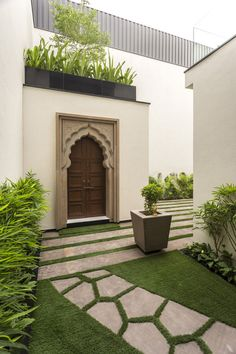 Gallery of An Indian Modern House / Architects - 10 - An Indian Modern House,© Purnesh Dev Nikhanj - Cottage Doors Interior, Interior Exterior, Exterior Design, Indian Home Design, Farmhouse Landscaping, Modern Landscaping, Landscaping Tips, Pooja Room Design, Landscape Architecture Design