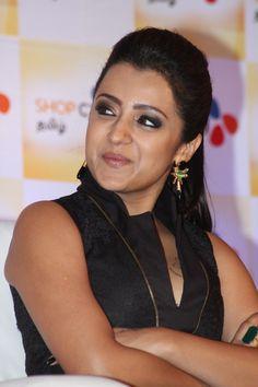 Check out the latest stills of actress Trisha Krishnan. Bollywood Actress Hot Photos, Tamil Actress Photos, Bollywood Girls, Beautiful Bollywood Actress, Most Beautiful Indian Actress, Beautiful Actresses, South Actress, South Indian Actress, Sonam Kapoor