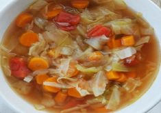 I decided to do the 7 Day Detox Cabbage Soup for the simple reason of my inflammation to my spine during the summer months. Detox the body in 7 days. Lunch Recipes, Cooking Recipes, Healthy Recipes, Clean Eating Soup, Healthy Eating, Cabbage Soup Recipes, Canadian Food, Canadian Recipes, Easy Casserole Recipes