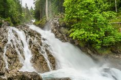 Wandertipp Simmental Places In Switzerland, Bergen, Waterfall, Travel, Outdoor, Fitness Workouts, Summer Time, Road Trip Destinations, Travel Destinations