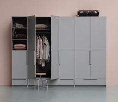 WOOOD Pure 2-drs garderobekast splitdeur 215x95x60 cm grenen betongrijs - Basiclabel Thing 1, Lockers, Interior Inspiration, Locker Storage, Cabinet, Closet, Furniture, Home Decor, Design