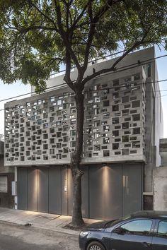 GU2787 Apartment Building,© Federico Kulekdjian