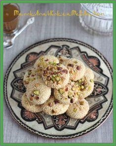 Een fijn koekje uit het Midden Oosten en wel uit Syri......Dit heb je nodig200 gram zachte roomboter160 gram suiker490 gram bloem2 eieren2 koffielepels vanille2 koffielepels a