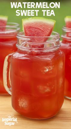 Watermelon Sweet Tea-Sweet tea combined with fresh squeezed watermelon juice for a sweet spring or summer beverage. This refreshing drink recipe combines a simple syrup with tea and watermelon that is perfect for parties and picnics. Serve this at your ne Party Drinks Alcohol, Party Food And Drinks, Non Alcoholic Drinks, Fun Drinks, Healthy Drinks, Alcoholic Punch, Healthy Food, Homemade Lemonade Recipes, Iced Tea Recipes