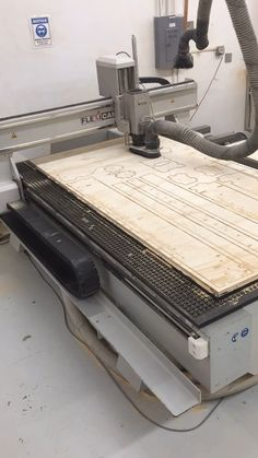 How Furniture Is Made This is our CNC Router! Fancy for cutting out pieces of furniture puzzle. Woodworking Tools For Beginners, Cnc Woodworking, Woodworking Projects, Diy Cnc Router, Wood Router, Timber Furniture, Cardboard Furniture, Furniture Design, Cnc Table