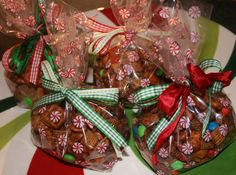 christmas food gift ideas | Christmas and Homemade Holiday Gift Idea-Honey-Glazed Snack Mix ...