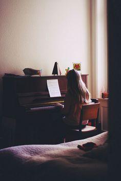 Dama al Piano.