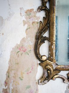 This Couple Struck Gold When They Decided to Restore Their Plaster Walls