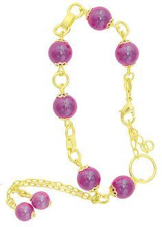 Pulseira folheada a ouro c/ pérolas grandes na cor rosa escuro e extensor de tamanho