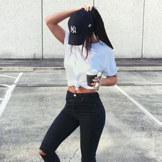 obsessed with this casual outfit! black ripped skinny jeans + white t shirt + baseball cap
