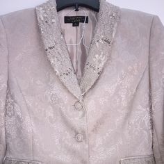 Tahari Luxe beige suit Lace with sequins lapel & pockets, embossed pattern Tahari Dresses