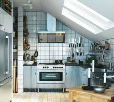 Modern Kitchen Design Ideas and Small Kitchen Color Trends 2013 Industrial Kitchen Design, Ikea Kitchen Design, Ikea Design, Modern Kitchen Design, Home Decor Kitchen, Kitchen Interior, New Kitchen, Home Kitchens, Kitchen Dining