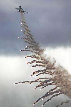F15 flare launch