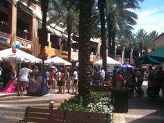 """Popular CityPlace in West Palm Beach is home of an extraordinary Free Event that takes place every second Sunday of each month: """"Family FunFest CityPlace"""". This is a place for kids to just be kids, chock-full of activities to have a great time. Family FunFest CityPlace is an event for the entire family, where you will also find the best merchant offers in an afternoon full of surprises & emotions."""