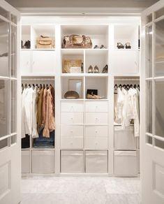 Ikea Walk In Wardrobe, Diy Walk In Closet, Wardrobe Furniture, Build A Closet, Ikea Dressing Room, Dressing Room Design, Ikea Bedroom, Closet Bedroom, Ivar Regal