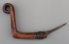 American Indian Art:Pipes, Tools, and Weapons, A Northeast/Great Lakes Crooked Knife ...
