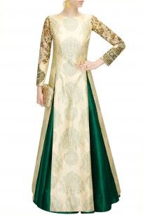 Buy SVA Emerald green pleated lehenga by Sonam & Paras Modi online in India at best price.Featuring a emerald green pleated lehenga in raw silk. FIT: Fitted at waist. Pakistani Dresses, Indian Dresses, Indian Outfits, Indian Attire, Indian Ethnic Wear, Mode Bollywood, Party Kleidung, Desi Clothes, Indian Couture