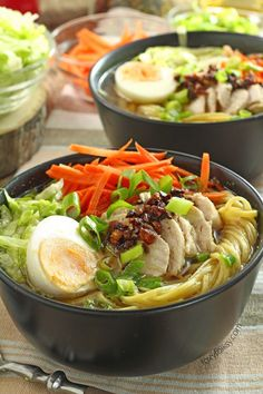 # foxyfolksycom Mami Try this Filipino Chicken Mami recipe, a delicious chicken noodle soup perfect to warm you this cold season and to help keep the colds away. Filipino Soup Recipes, Filipino Dishes, Asian Recipes, Healthy Recipes, Ethnic Recipes, Filipino Food, Healthy Soups, Chicken Mami Recipe, Chicken Recipes